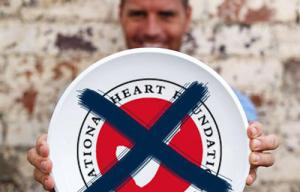 https://au.lifestyle.yahoo.com/food/index/article/-/25220286/paleo-chef-pete-evans-calls-for-heart-foundation-tick-to-be-scrapped/